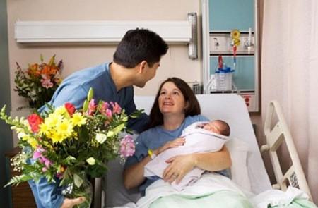 Chế độ thai sản đối với trường hợp nhờ mang thai hộ - Ảnh 1.