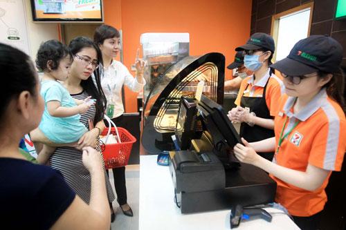 Chuỗi bán lẻ cạnh tranh bằng ẩm thực Việt - ảnh 1