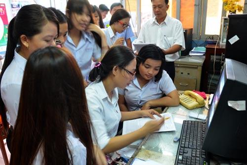 Theo đánh giá, năm nay, nhiều học sinh chọn bài thi tổ hợp khoa học xã hội hơn là khoa học tự nhiên Ảnh: TẤN THẠNH