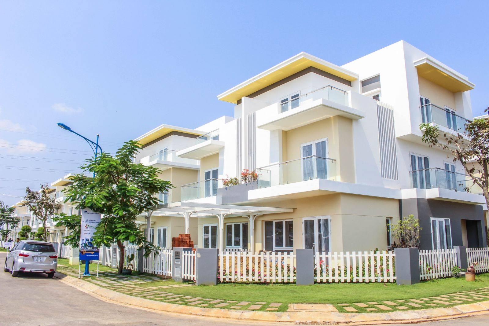 Chọn mua nhà, biệt thự mới xây cần lưu ý gì về phong thủy? - Ảnh 1.