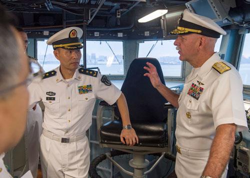 Tàu chiến Mỹ tăng cường hoạt động ở biển Đông - Ảnh 1.