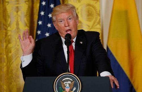 Chuyến công du trĩu nặng của ông Trump - ảnh 1
