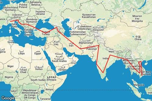 Những cú sốc của chàng trai phượt 40.000 km từ Italy đến Việt Nam - Ảnh 2.