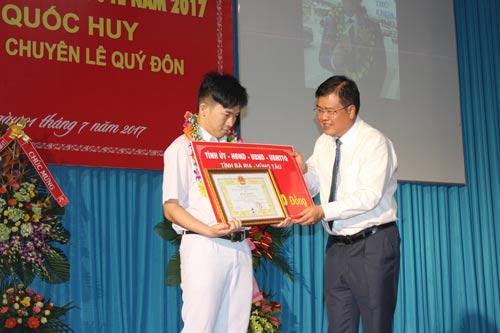 Vinh danh quán quân giải Olympic toán quốc tế - Ảnh 1.