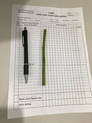 Đâm que dài hơn cây bút vào tử cung phá thai - Ảnh 2.