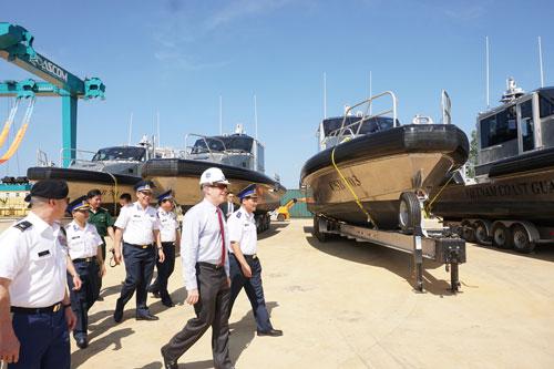 Mỹ chuyển giao 6 xuồng tuần tra cho Cảnh sát biển Việt Nam - Ảnh 1.