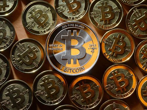 Đổ xô cày Bitcoin bất chấp rủi ro - Ảnh 2.