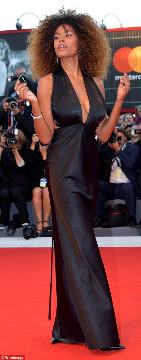 Jennifer Lawrence lộng lẫy tại LHP Venice - Ảnh 13.