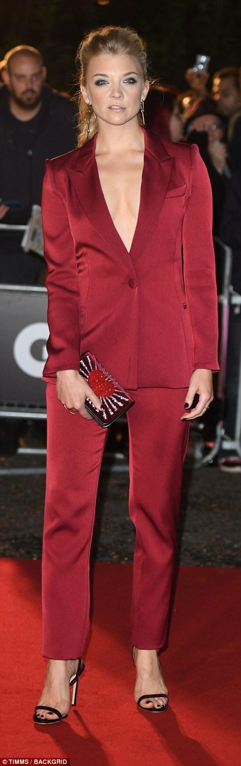 Người mẫu bạch biến cuốn hút trên thảm đỏ - Ảnh 12.