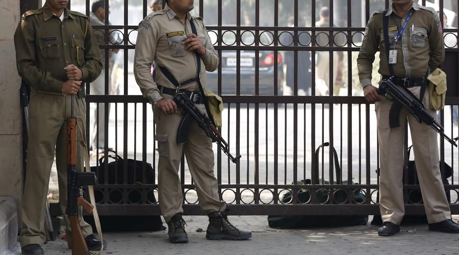 Ấn Độ: Giam giữ, cưỡng hiếp phụ nữ nước ngoài suốt nửa năm - Ảnh 1.