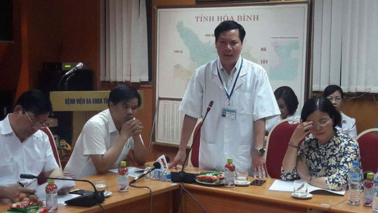 Vụ 8 người chạy thận tử vong: Cách chức Giám đốc Bệnh viện Hòa Bình - Ảnh 1.