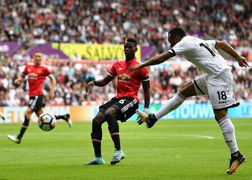 Ghi bàn hủy diệt, hàng công Man United vẫn bị chỉ trích - Ảnh 2.