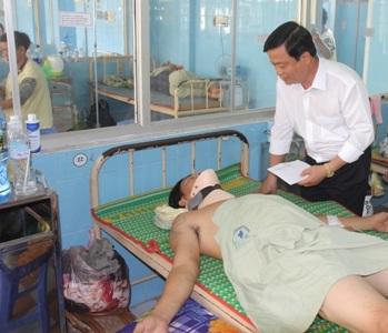 Vụ TNGT làm 5 người chết: Một nạn nhân bị liệt tứ chi, dập tủy - Ảnh 1.