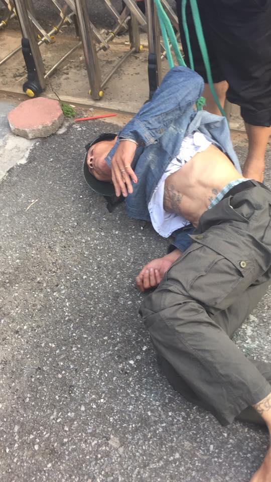 Sự thật người đàn ông bị đánh giữa phố Hà Nội vì nghi bắt cóc trẻ em - Ảnh 2.