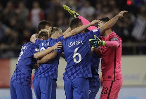 Bắc Ireland khóc hận, Thụy Sĩ đoạt vé dự World Cup - Ảnh 8.