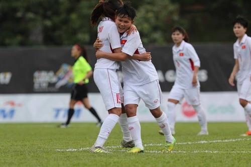 Ghi 3 bàn những phút cuối, nữ Việt Nam thắng đậm Philippines - Ảnh 4.