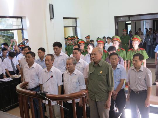 10 bị cáo vụ sai phạm đất đai ở Đồng Tâm kháng cáo - Ảnh 1.