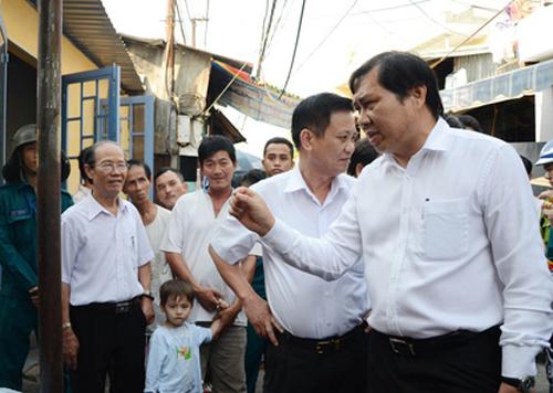 Di lý nghi phạm đe dọa Chủ tịch UBND TP Đà Nẵng ra Hà Nội - Ảnh 1.