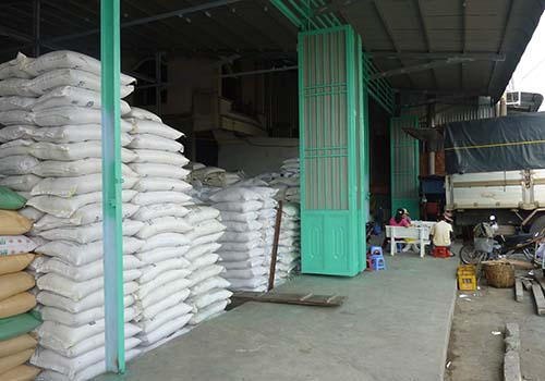 Thị trường gạo thế giới sôi động - Ảnh 1.