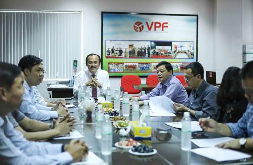 Bầu Thắng lên tiếng về lương khủng ở VPF - Ảnh 1.