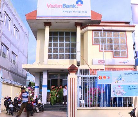 Tình tiết nào trùng hợp từ 2 vụ cướp ngân hàng ở miền Tây? - Ảnh 2.