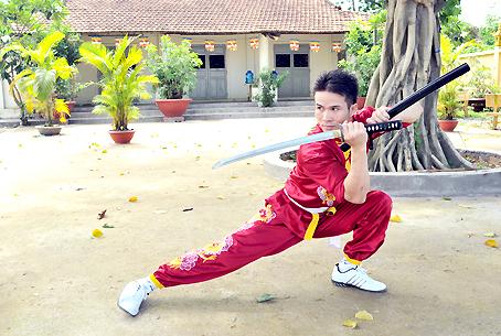 Nhiều võ sư Việt Nam thách đấu với chuẩn võ sư Pierre - Ảnh 1.