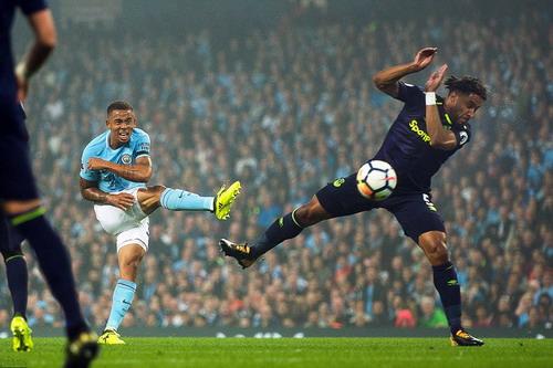 Rooney tỏa sáng, Man City mất điểm ở Etihad - Ảnh 1.
