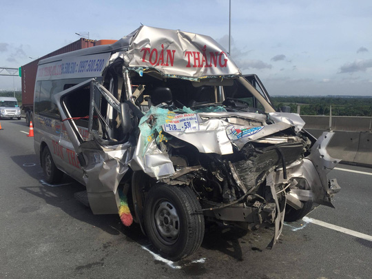 Phút sinh tử vụ tai nạn trên cao tốc TP HCM - Long Thành - Ảnh 4.