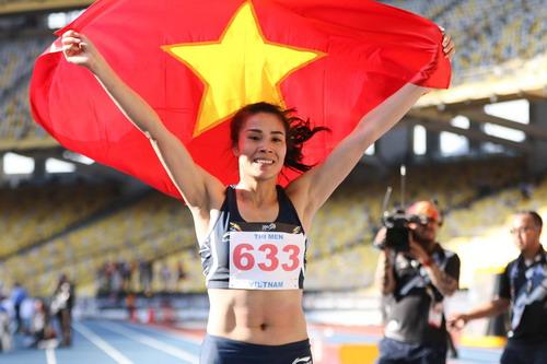 SEA Games ngày 23-8: Cú đúp vàng của Lê Tú Chinh - Ảnh 13.