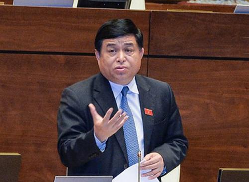 Bộ trưởng KH-ĐT Nguyễn Chí Dũng lần đầu trả lời chất vấn trực tiếp - Ảnh 1.