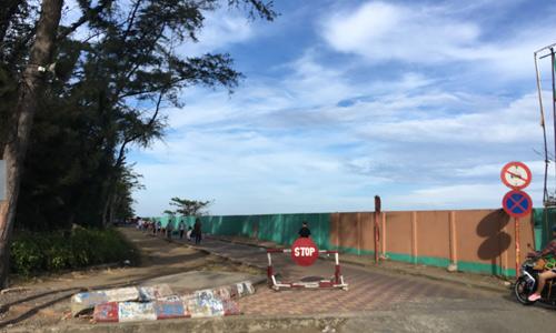 Một siêu dự án đang được chủ đầu tư rào chắn nằm dọc theo bờ biển Cần Giờ đã tạo nên cơn sốt săn lùng quỹ đất xung quanh đây nhiều tháng qua. Ảnh: Vũ Lê