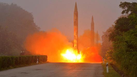 Mỹ dọa trừng phạt Trung Quốc vì không chịu nghỉ chơi với Triều Tiên - Ảnh 1.