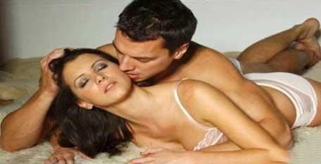 Sốc khi chồng sắp cưới vào khách sạn với người tình - Ảnh 1.