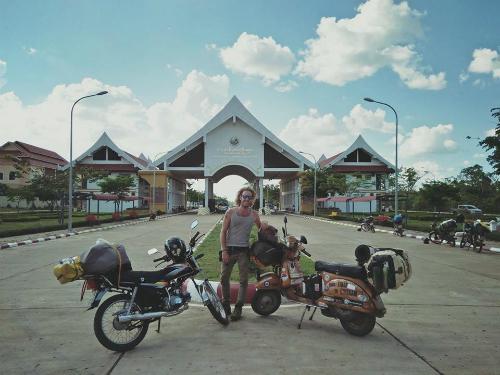 Những cú sốc của chàng trai phượt 40.000 km từ Italy đến Việt Nam - Ảnh 8.