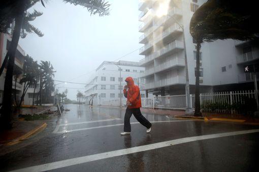 Bão Irma đổ bộ vào bang Florida - Ảnh 4.