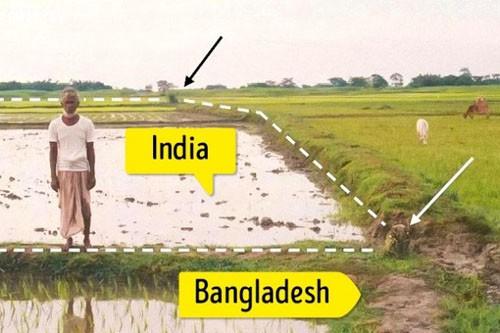 Mảnh đất muốn đến nơi phải xuất nhập cảnh liên tục - Ảnh 2.