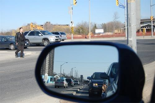 Nắm vững những quy tắc này để lái xe an toàn - Ảnh 2.