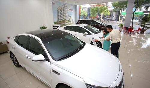 Giá bán ô tô 2018 không giảm sốc như mong đợi - Ảnh 1.