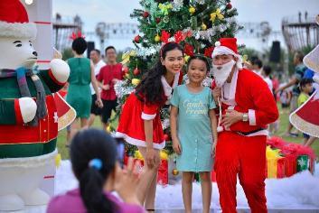 Đại tiệc Giáng sinh Đỉnh - Chất - Tuyệt tại công viên ven sông lớn nhất TP HCM - Ảnh 1.