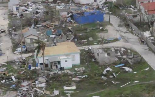 """Hàng loạt biệt thự của ông Donald Trump """"hứng"""" bão Irma? - Ảnh 3."""