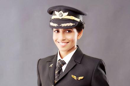 Ngắm dung nhan yêu kiều của nữ cơ trưởng Boeing 777 trẻ nhất thế giới - Ảnh 4.