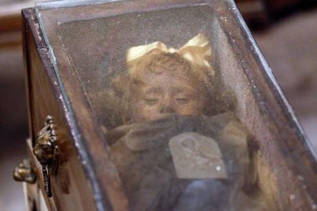 Bí mật những xác ướp trong hầm mộ Capuchin ở Italy - Ảnh 4.
