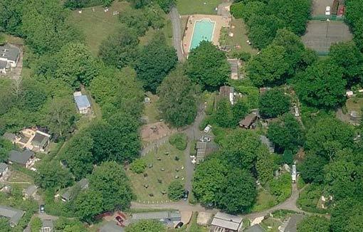 Ảnh toàn cảnh ngôi làng Spielplatz nhìn từ trên cao