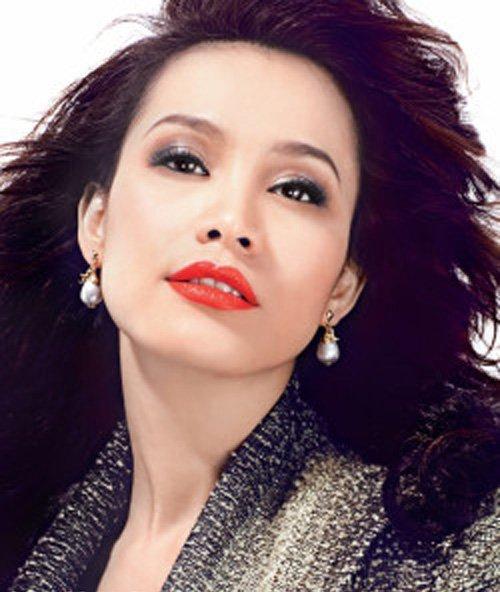 Nhan sắc đẹp lạ của Hoa hậu có nụ cười quyến rũ nhất Việt Nam - Ảnh 7.