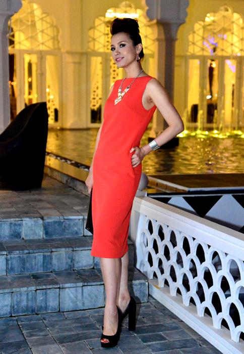Nhan sắc đẹp lạ của Hoa hậu có nụ cười quyến rũ nhất Việt Nam - Ảnh 10.
