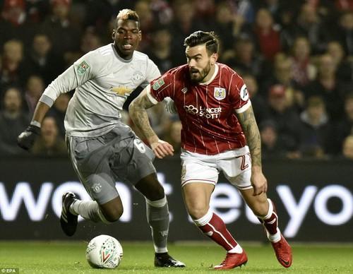 Gục ngã phút 93, Man United thành cựu vương League Cup - Ảnh 1.
