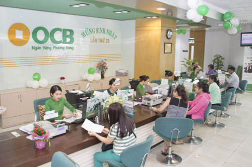 Làm ăn hiệu quả, OCB chi 5 tỉ đồng tặng quà khách hàng - Ảnh 1.