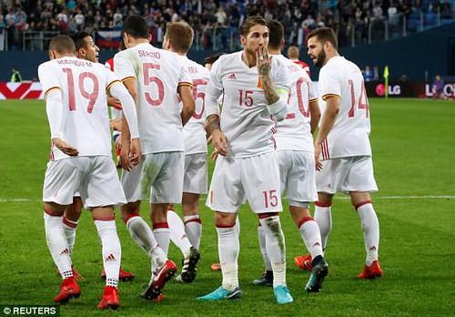 Argentina thua thảm Nigeria, Tây Ban Nha hòa chật vật chủ nhà World Cup - Ảnh 6.