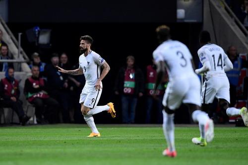 Pháp gục ngã phút bù giờ, Ronaldo giành 3 điểm cho Bồ Đào Nha - Ảnh 2.