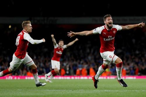 Rượt đuổi tỉ số, Arsenal thắng trận khai mạc Ngoại hạng Anh - Ảnh 8.